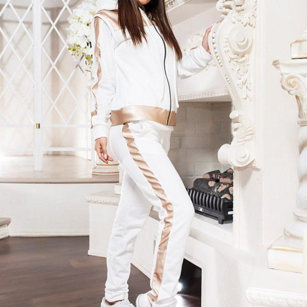 белый женский теплый костюм