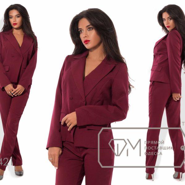 бордовый классический женский костюм
