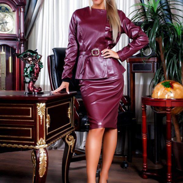 бордовый кожаный костюм