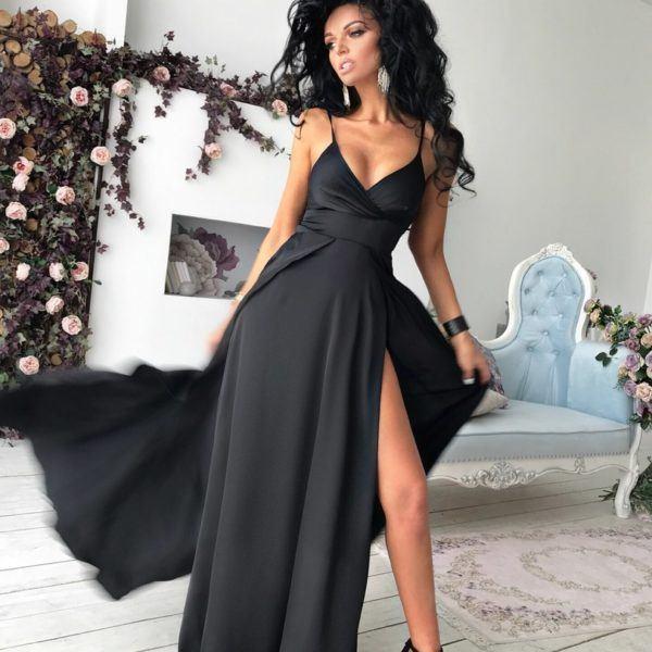 длинное черное платье на лямках