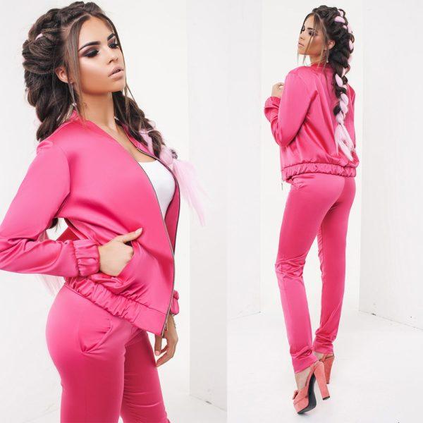 розовый атласный костюм
