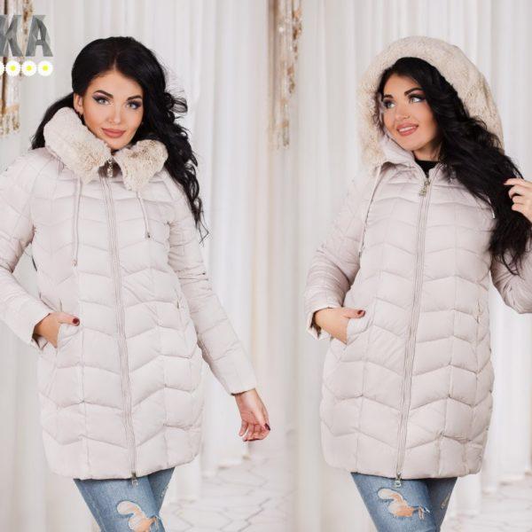 Zhenskaja zimnjaja kurtka na hollofajbere bol'shie razmery
