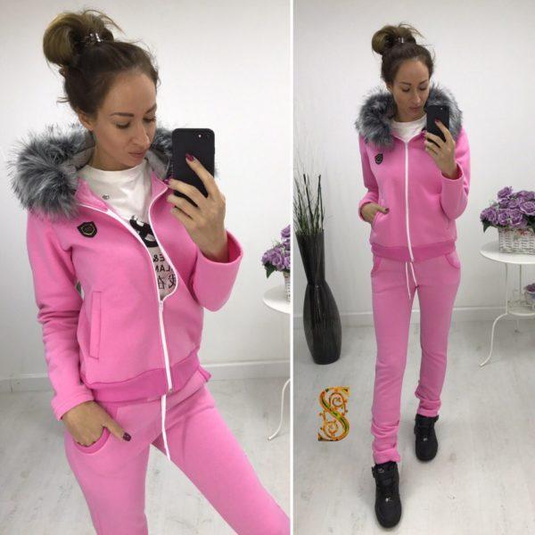 розовый теплый костюм