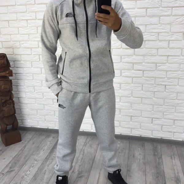 серый теплый мужской костюм