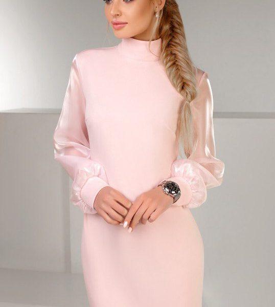 пурпурного цвета платье