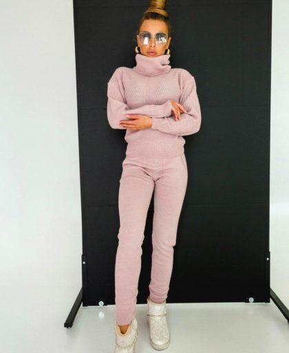 костюм цвет пудра