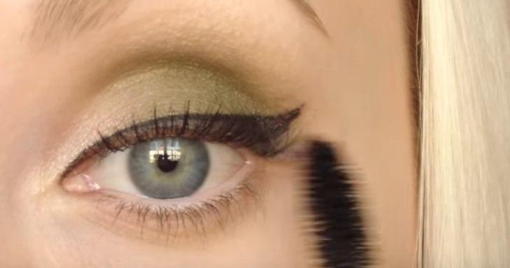 Смоки Айс для зеленых глаз фото