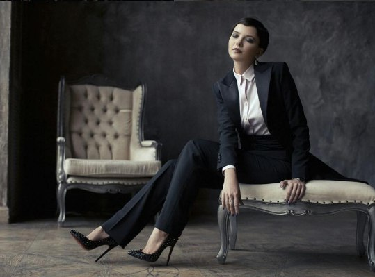 деловой костюм женщины