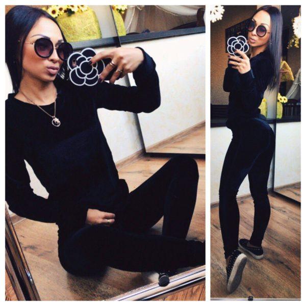 Черный велюровый костюм