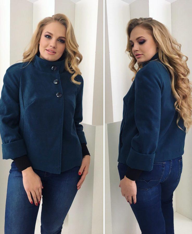 синее пальто на полных