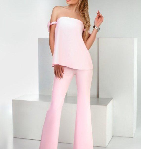 летний розовый костюм