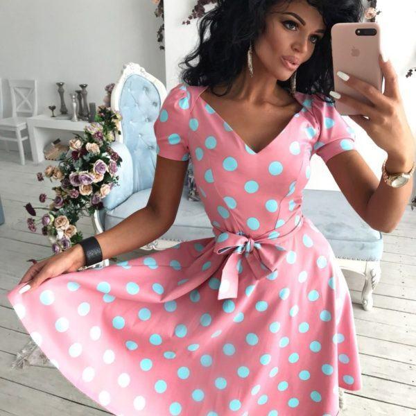 розовое платье в горох
