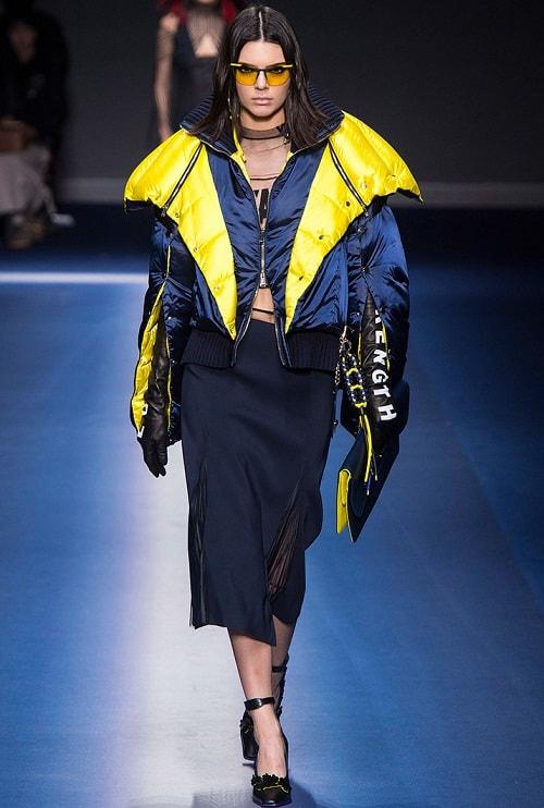 куртки женские 2018 от Versace