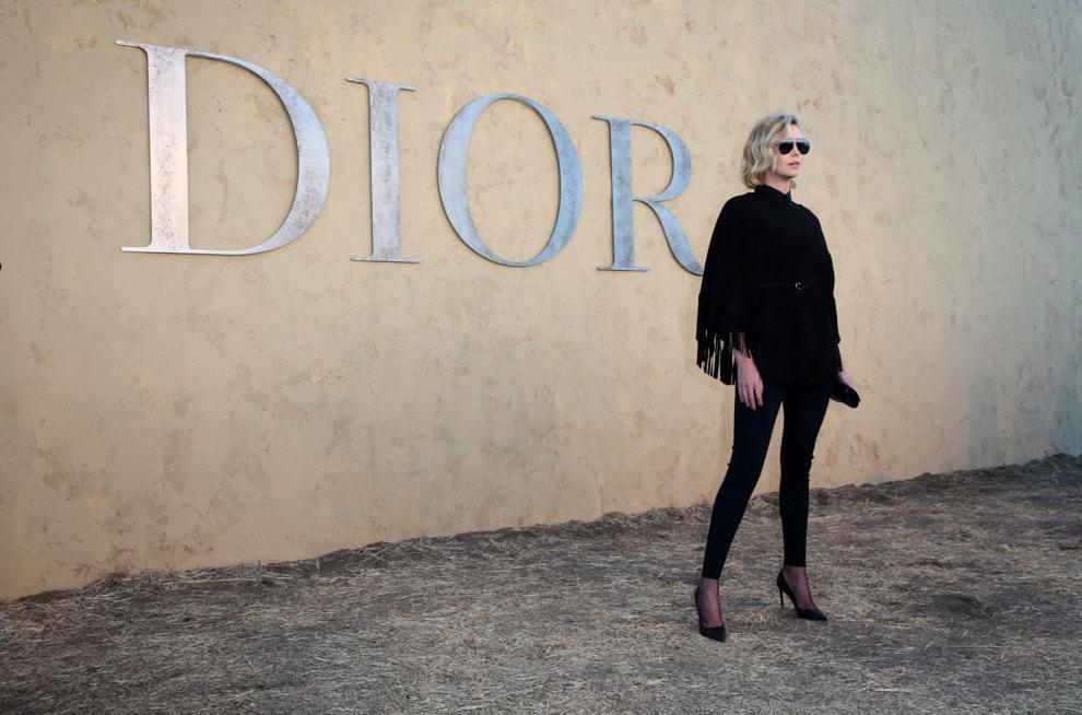 Шарлиз Терон на показе коллекции Christian Dior