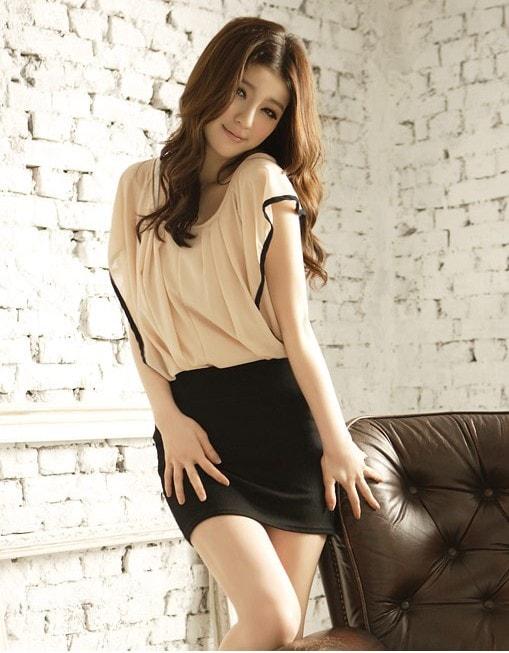 китайская девушка с красивыми ногами