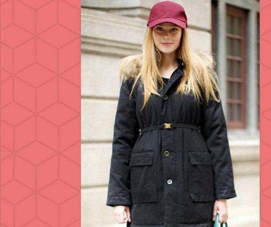 девушка в куртке и головном уборе