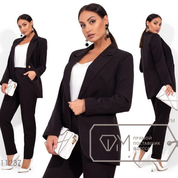 черные брюки с пиджаком