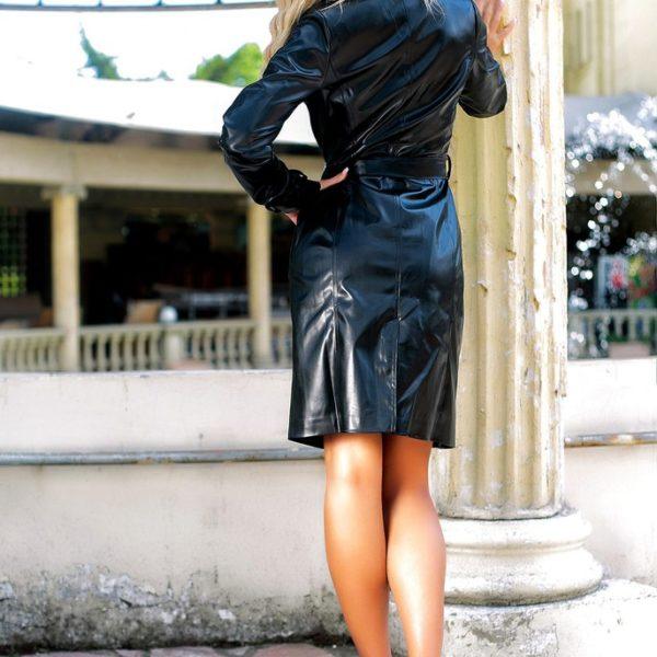 черный кожаный плащ