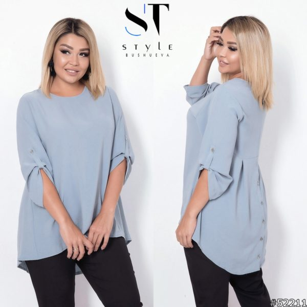 Свободного кроя блуза удлиненная сзади