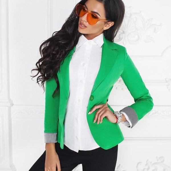 зеленый женский пиджак