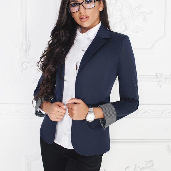 Пиджак с отворотом на рукавах
