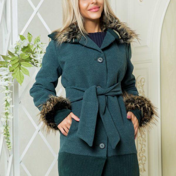 Красивое пальто с мехом