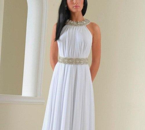 девушка с длинном белом платье