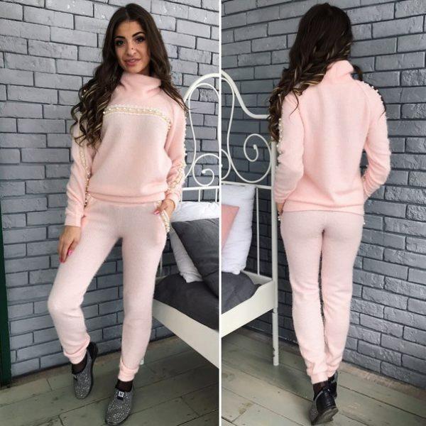 Вязанный теплый розовый костюм женский