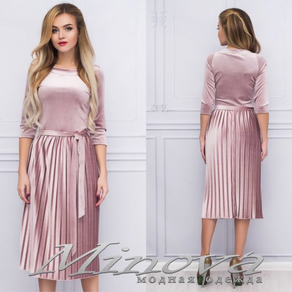 платье цвета пудра