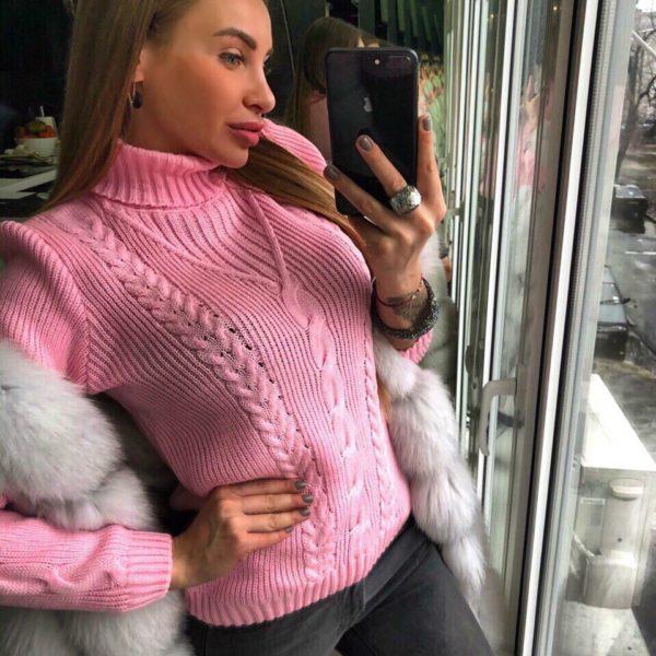 розовый вязанный джемпер