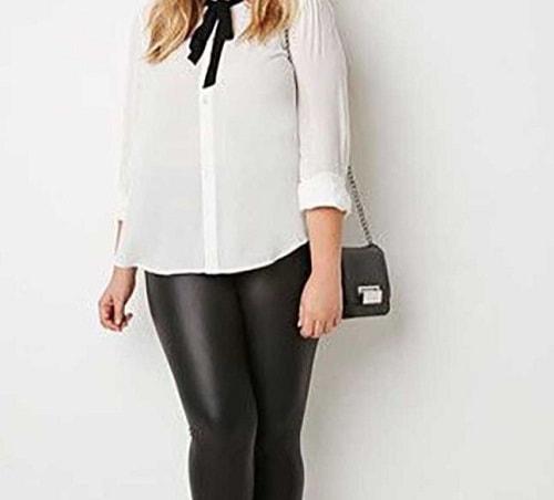 женщина в белой блузке