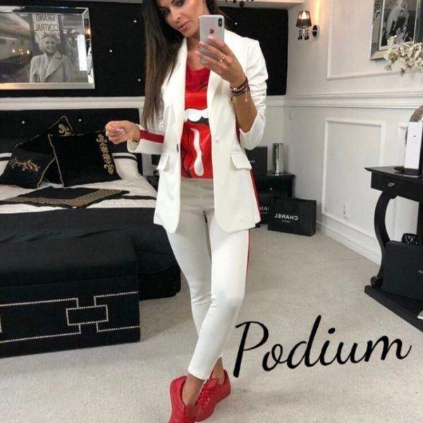 белый костюм с удлиненным пиджаком