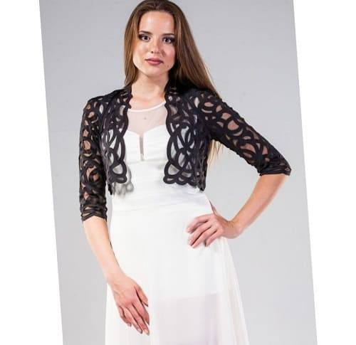 девушка в белом платье без рукавов