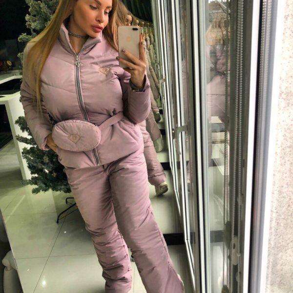Модный женский зимний костюм для прогулок