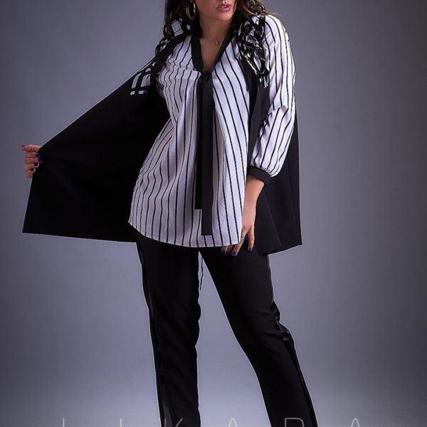 Черный костюм тройка с блузкой