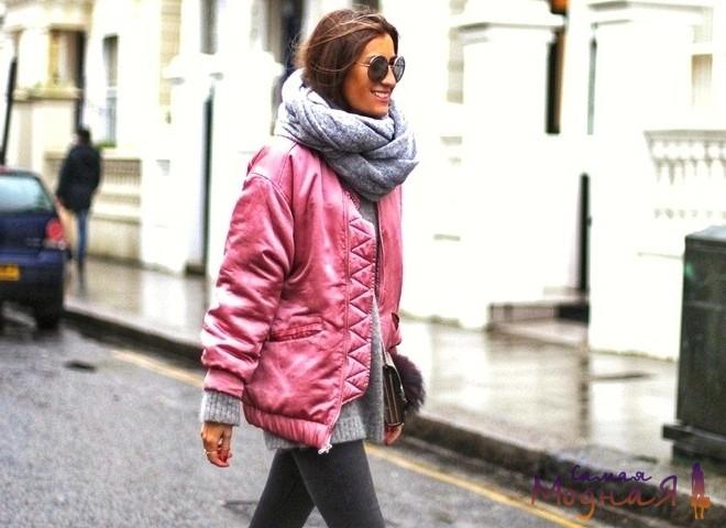 розовая куртка с серым снудом
