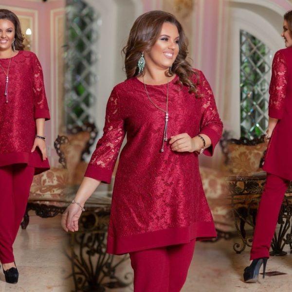 Бордовый костюм с удлиненной туникой