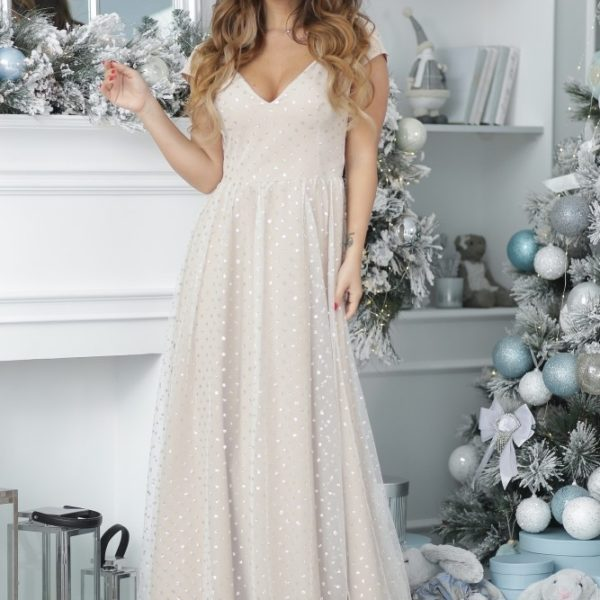 Женское светлое вечернее платье