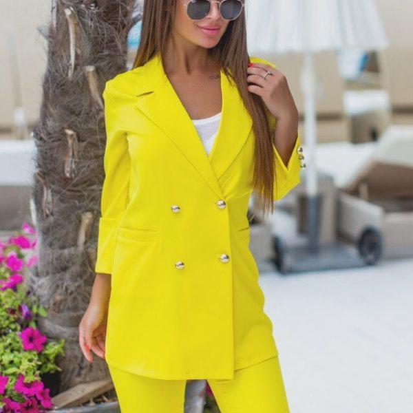 желтый костюм с пиджаком