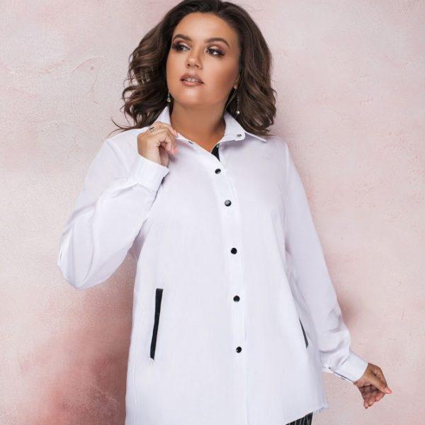 Белая блузка с длинными рукавами