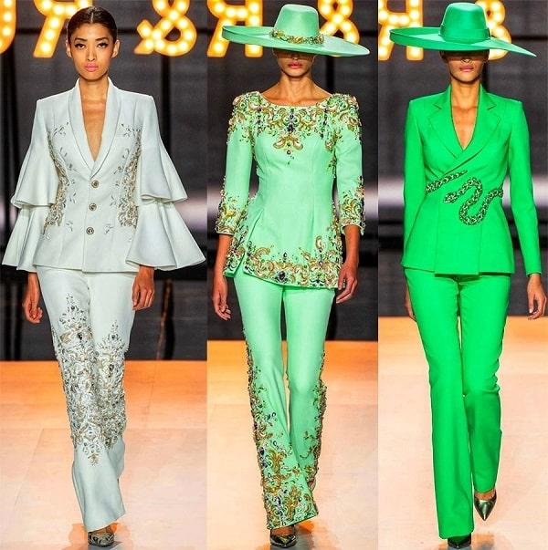 девушки в зеленых шляпах и пиджаках