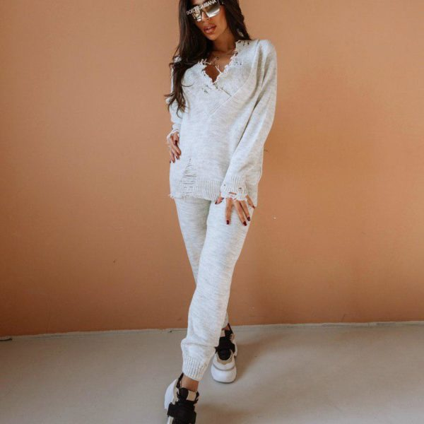 белый вязаный костюм